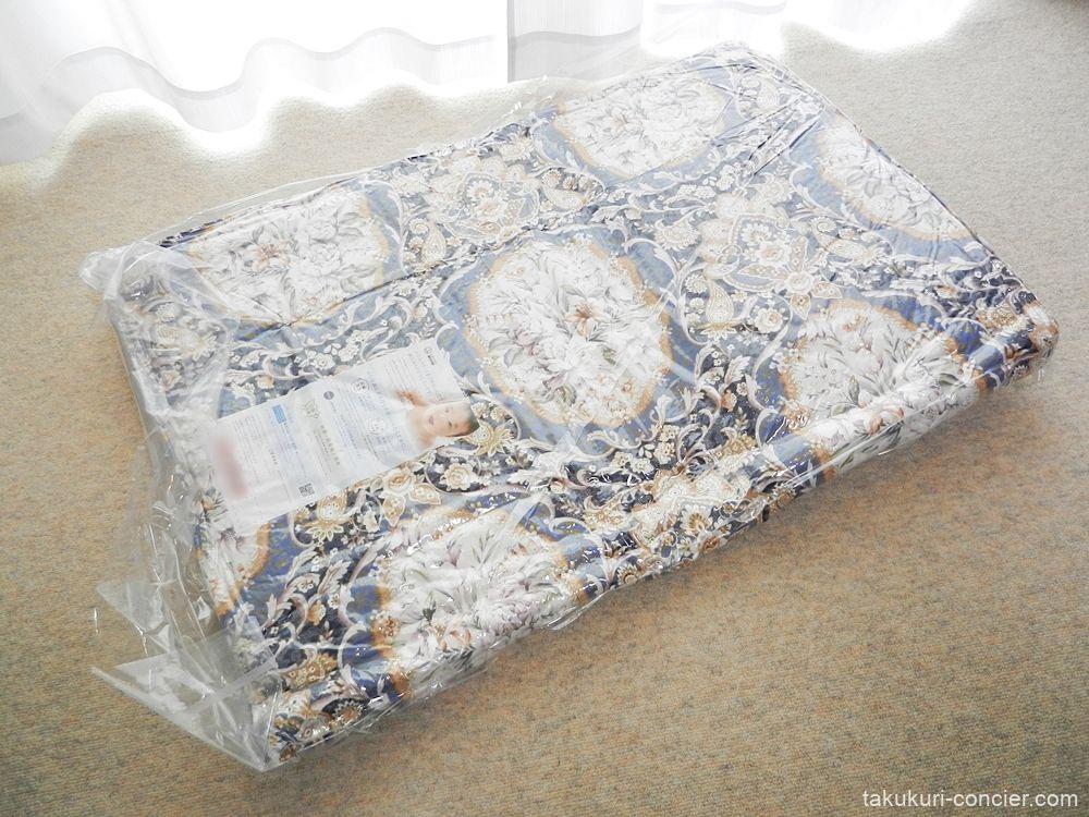 圧縮袋のまま布団を広げる 敷き布団