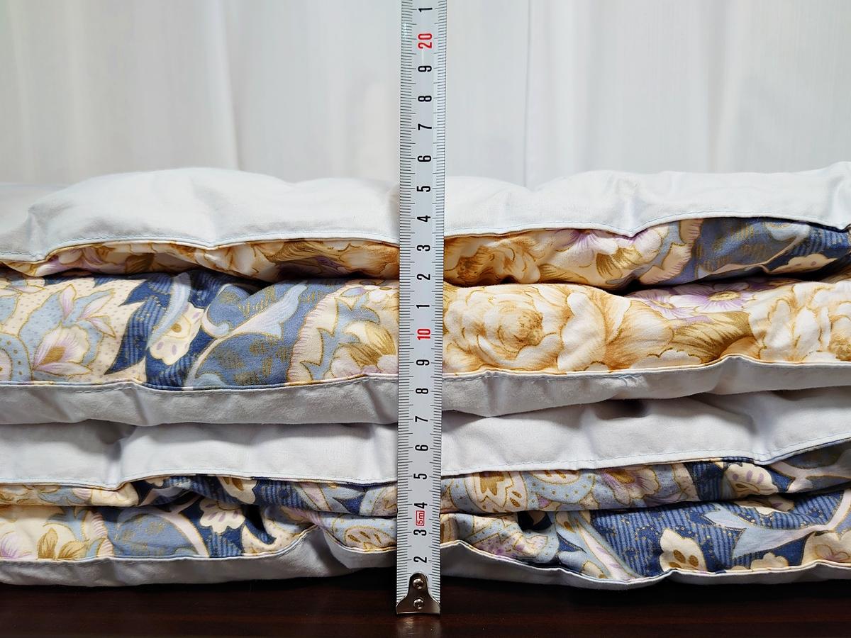 クリーニングモンスター 布団の宅配クリーニング 綿の掛け布団 クリーニング前の厚み